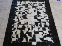 Susiūti kilimai iš natūralaus karvės kailio